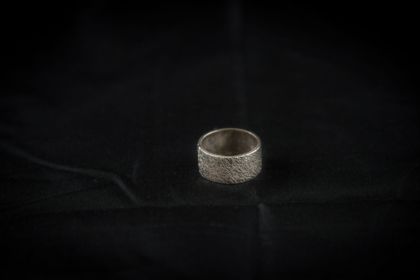 Ring Saron Ghezai